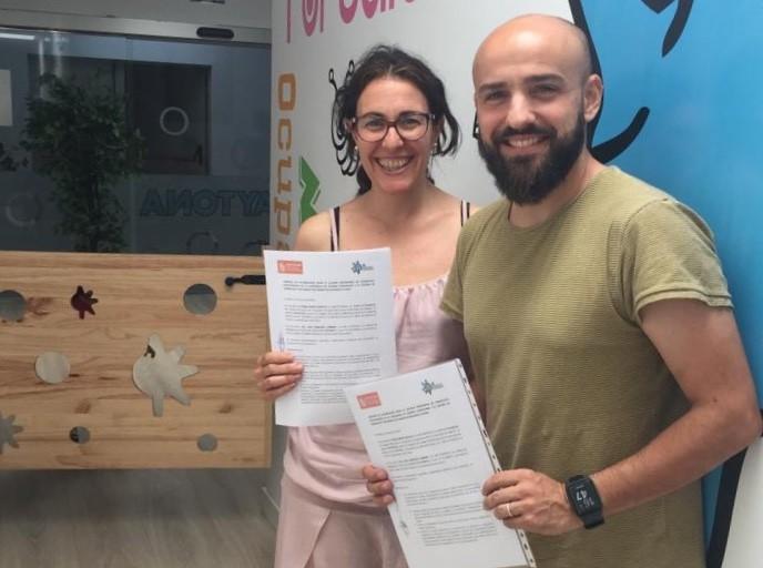 Representantes de Coptocam y Aytona firman convenio